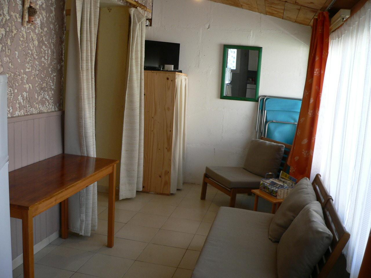 coin chambre dans salon cheap le coin salon photo le coin. Black Bedroom Furniture Sets. Home Design Ideas